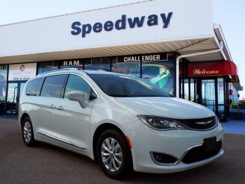 Certified Pre-Owned 2018 Chrysler Pacifica Touring L FWD Minivan